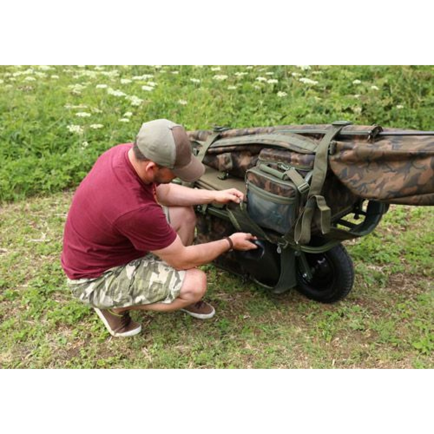 FOX FX Explorer Barrow and Camo Lite Bag