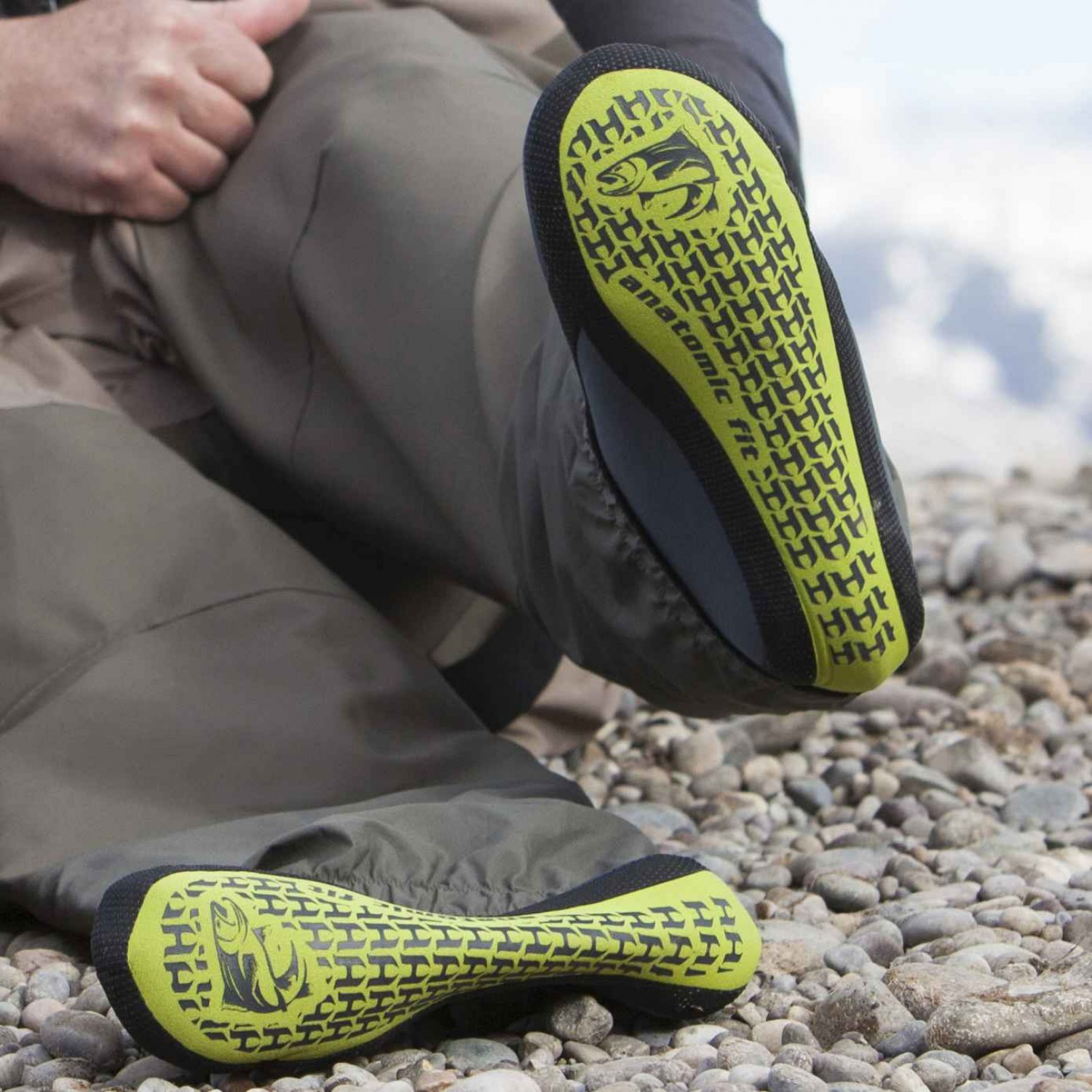 Hodgman Aesis Stocking Foot Digi Camo / Dark Charcoal